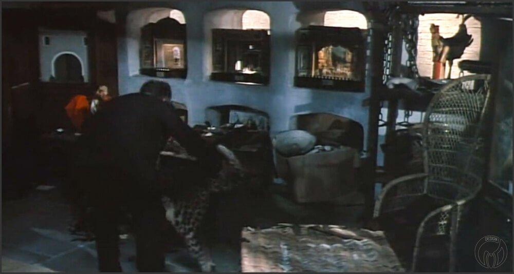 """Кресло """"Павлин"""" (Armchair Peacock) в кино. Кадры из фильма """"Игра навылет/Sleuth"""" (1972) _2"""