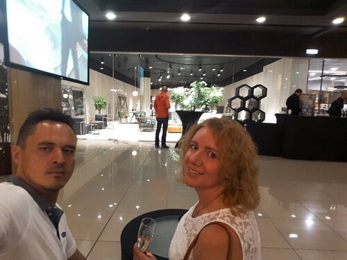 Виктор и Ольга Цвиль на открытии салона Flexform