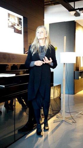 Презентация светильников от Santa&Сole. На фото- Nina Maso