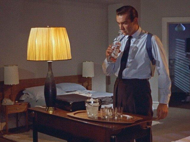 Lighte_Bond_2. Светильник в фильмах о Джеймсе_Бонде.